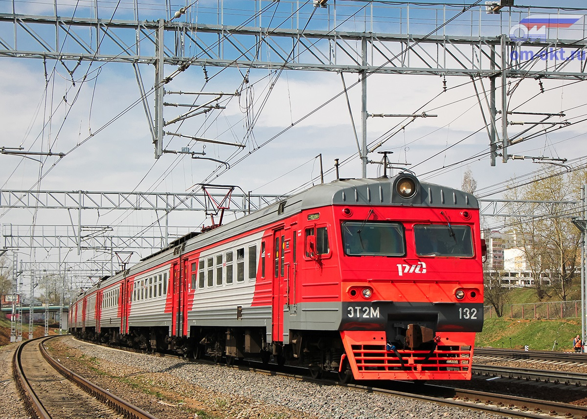 Электропоезд ЭТ2М-132, станция Крюково