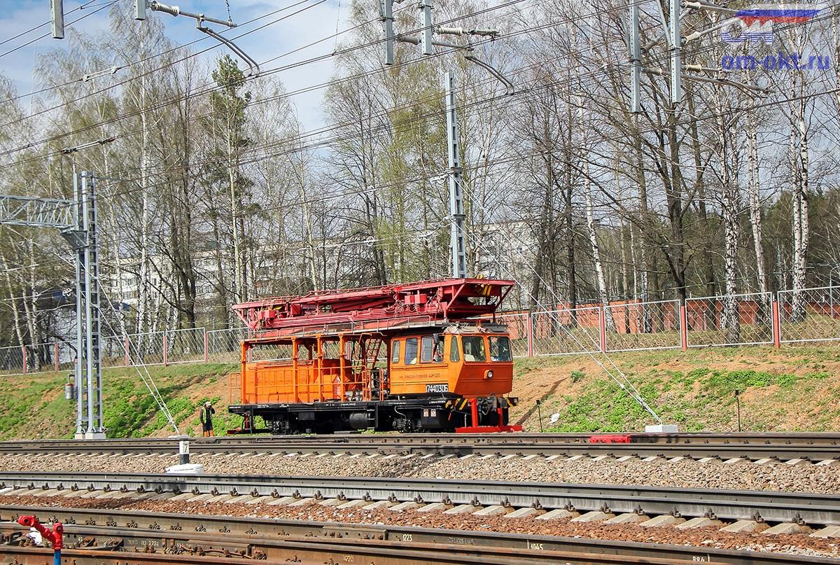 Дрезина АДМ на станции Крюково