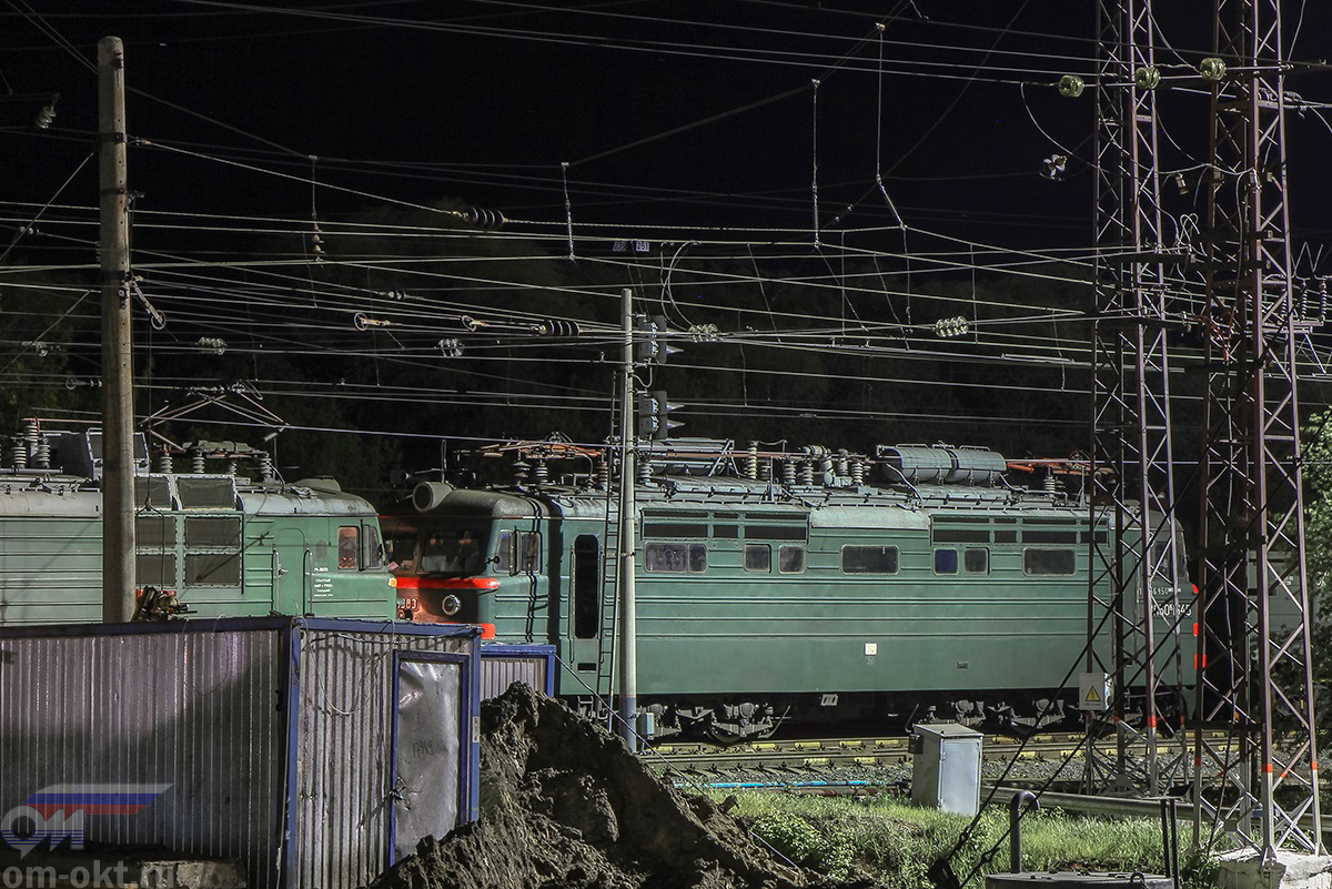 Электровоз ВЛ60КП-1645 в составе поезда на станции Владимир