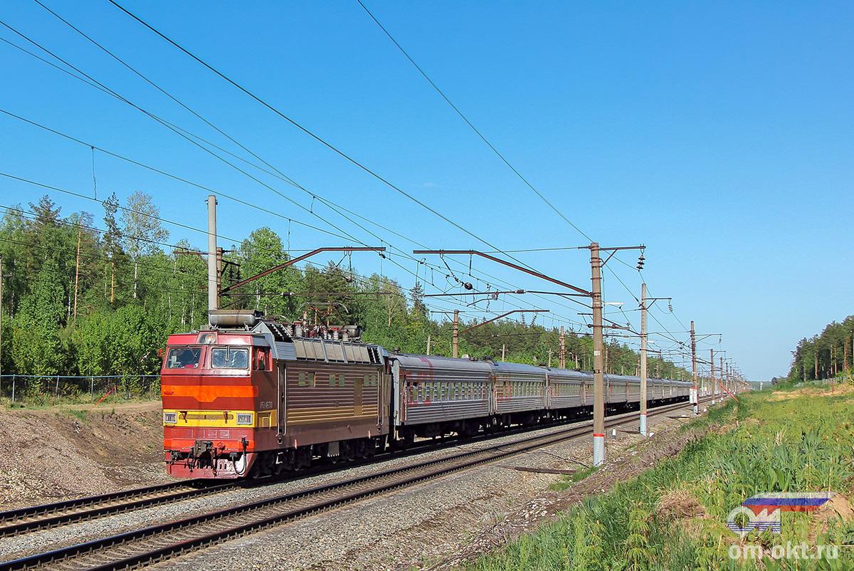 Электровоз ЧС4Т-457 с пассажирским поездом, перегон Федулово - блок-пост 243 км