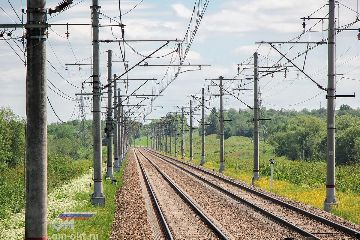 Вид от платформы Лазурная в сторону платформы Чуприяновка