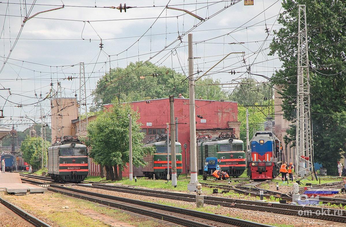 Локомотивы на станции Тверь