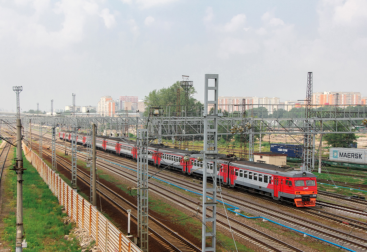 Электропоезд ЭТ2М-104 отправился от платформы Моссельмаш, станция Ховрино