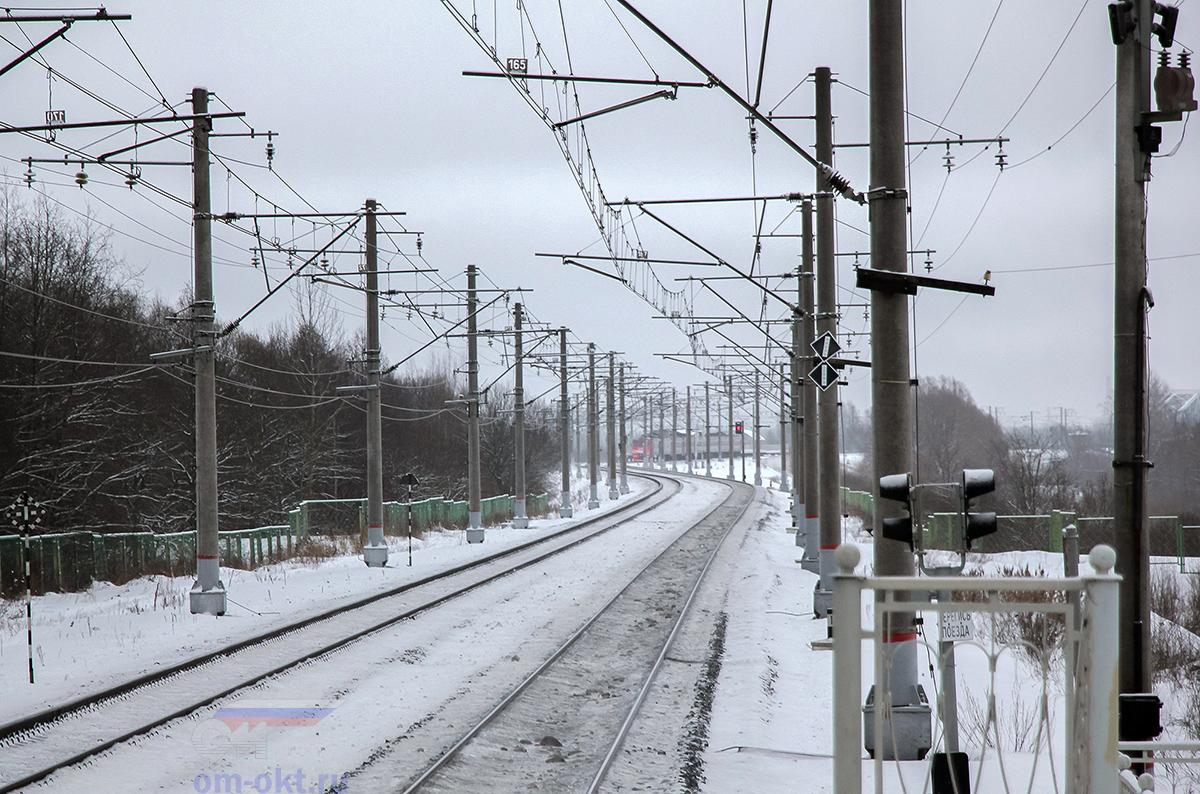 Электропоезд ЭТ2М-119 прибыл к платформе Волхов Мост