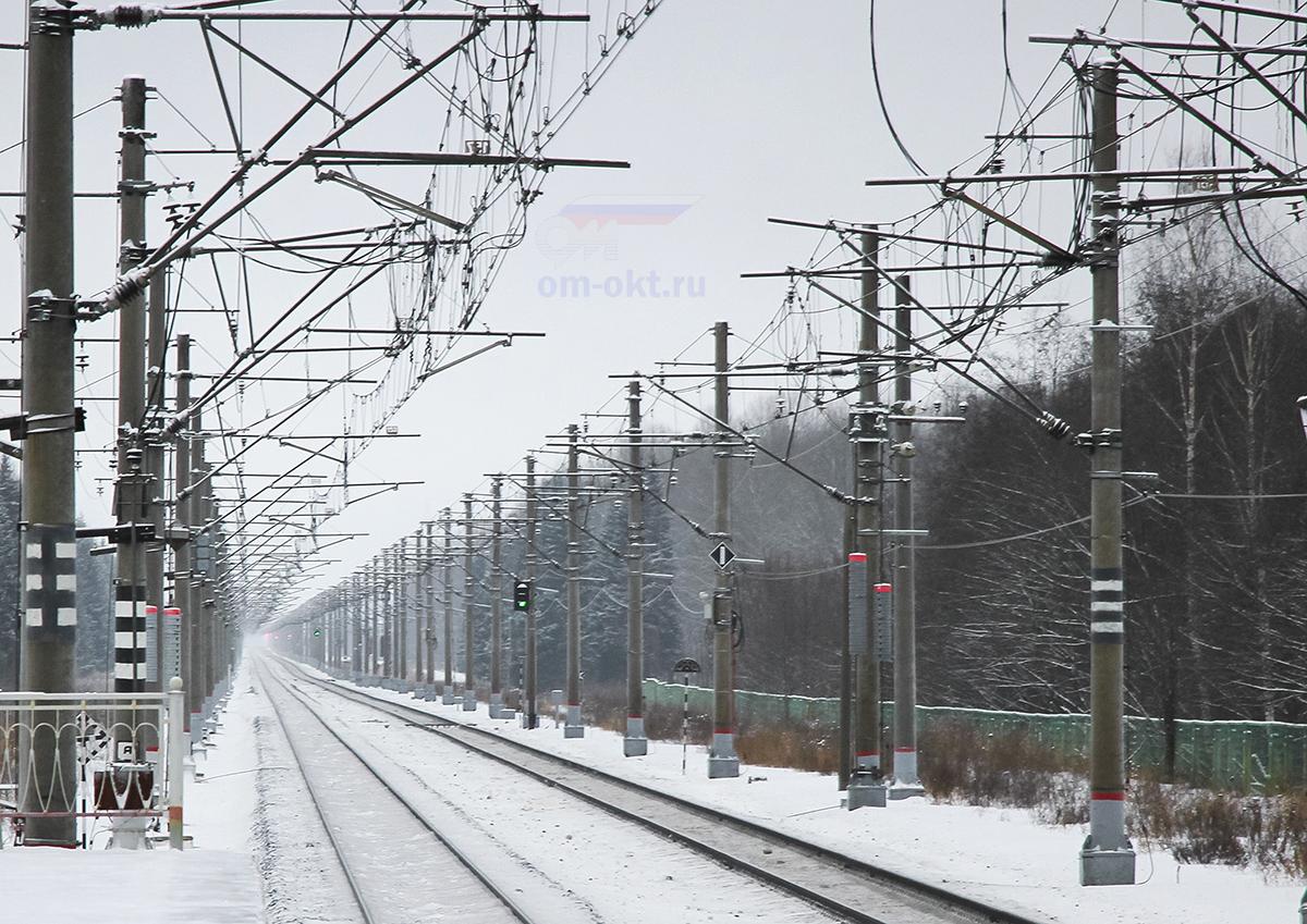 Вид от платформы Волхово в сторону станции Чудово-Московское