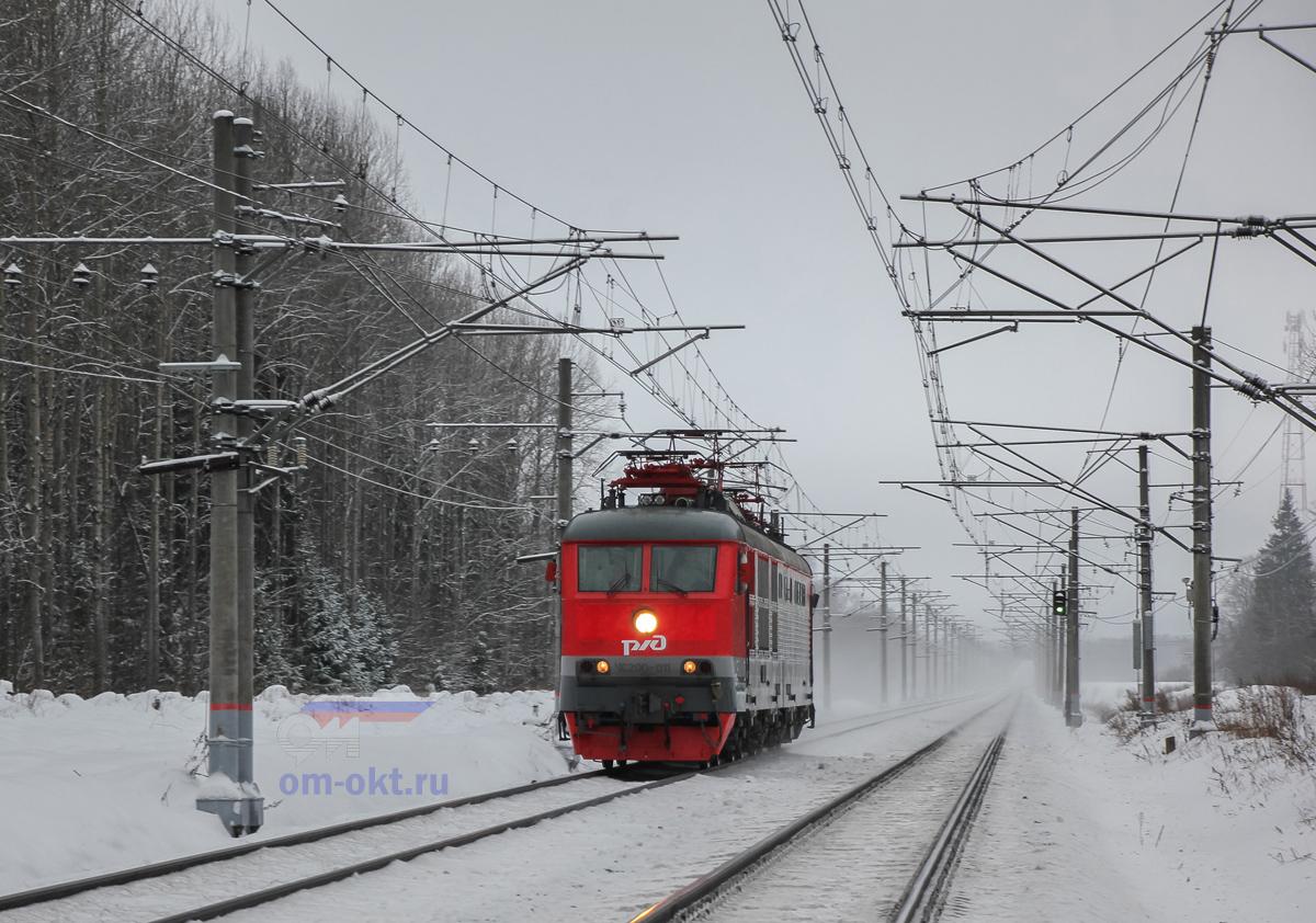 Электровоз ЧС200-012 на перегоне Чудово-Московское - Гряды