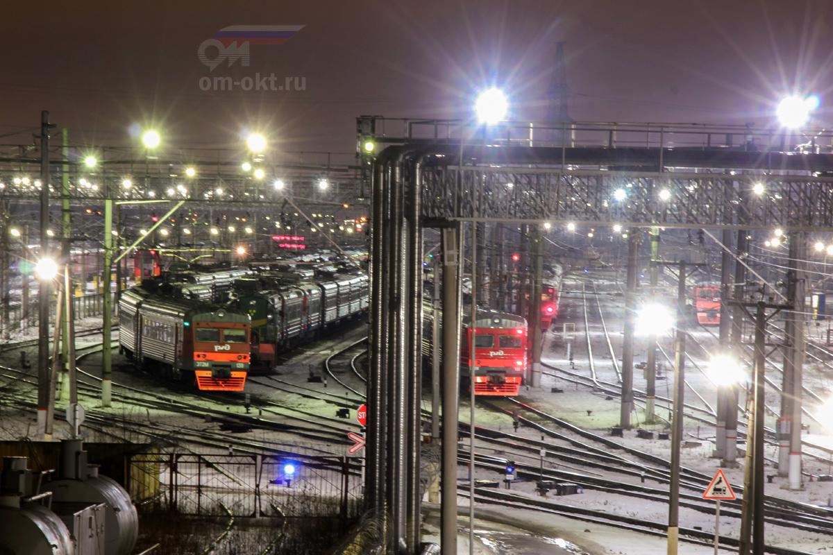 Электропоезда ЭТ2М-139 и ЭТ2М-133 в моторвагонном депо Санкт-Петербург-Московское (Металлострой)