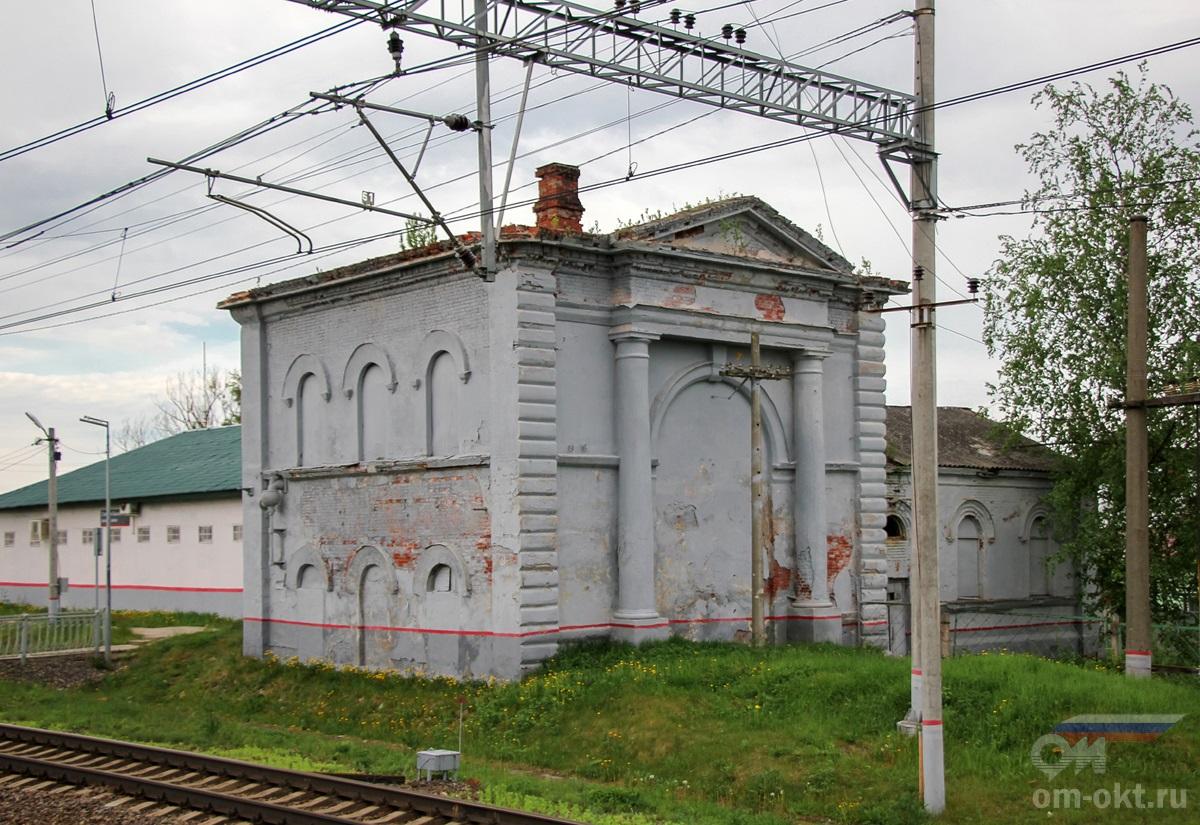 Водонапорная башня станции III класса у платформы Лыкошино
