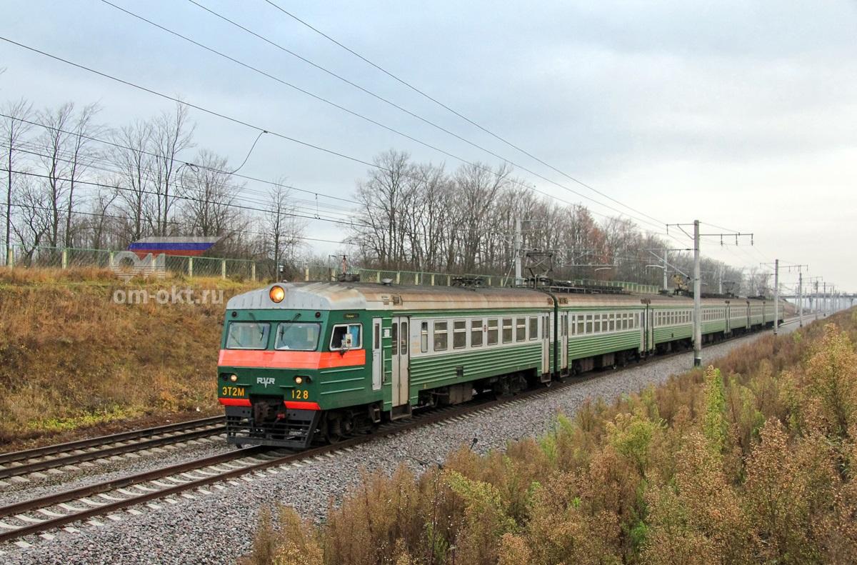 Электропоезд ЭТ2М-128 у платформы Поповка, перегон Колпино - Саблино