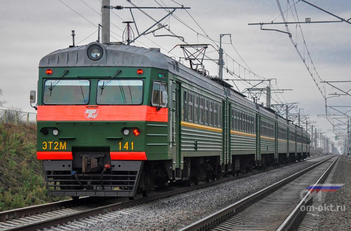Электропоезд ЭТ2М-141 у платформы Поповка, перегон Колпино - Саблино