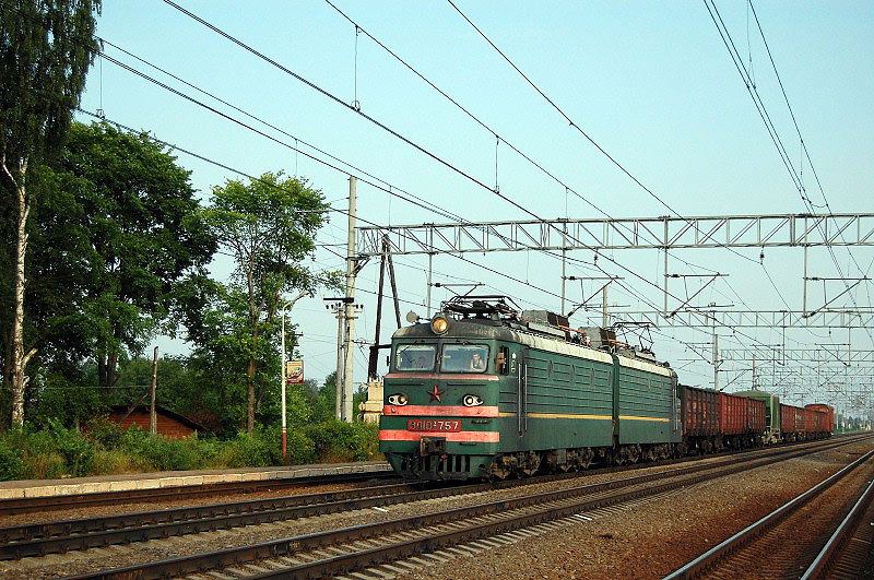 Электровоз ВЛ10У на станции Осеченка