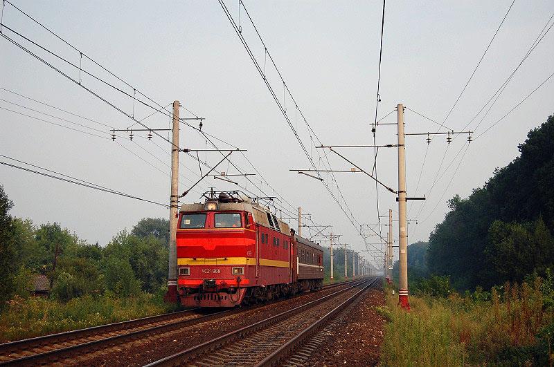 Электровоз ЧС2Т-969 на перегоне Редкино - Тверь