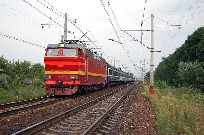 """Электровоз ЧС2Т-951 с фирменным поездом """"Таллин экспресс"""", перегон Редкино - Тверь"""