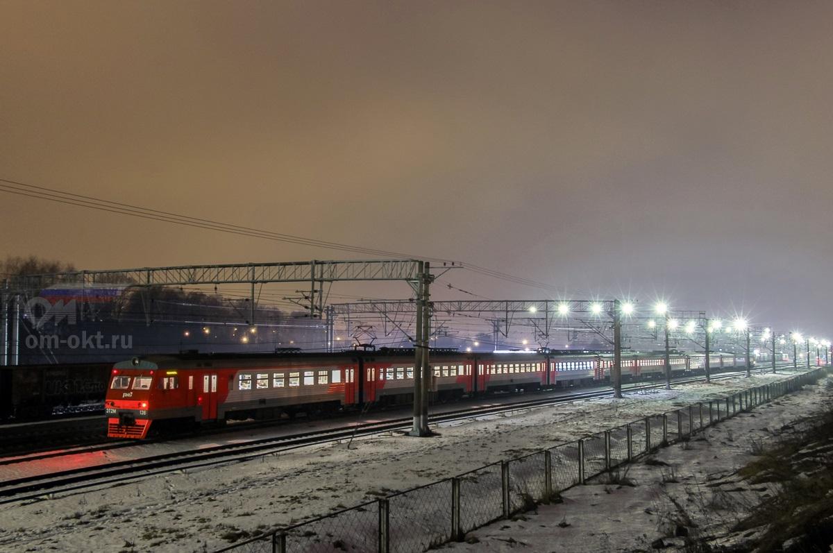 Электропоезд ЭТ2М-136, станция Поварово-I