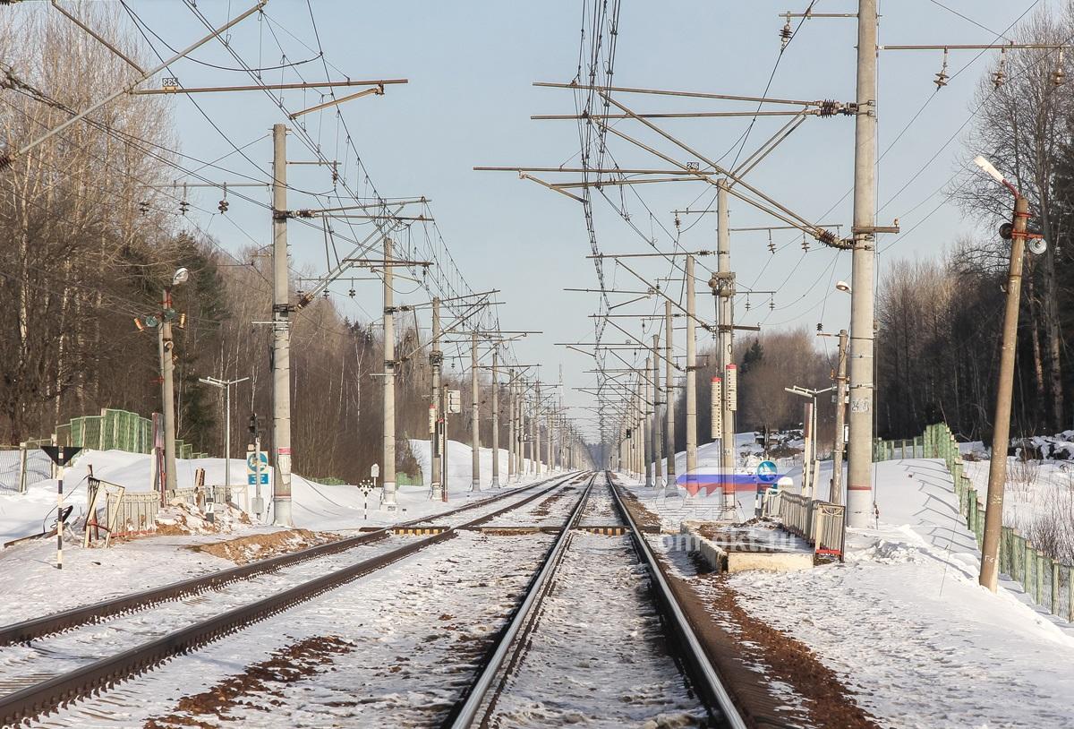 Вид на платформу Соболево со стороны станции Академическая