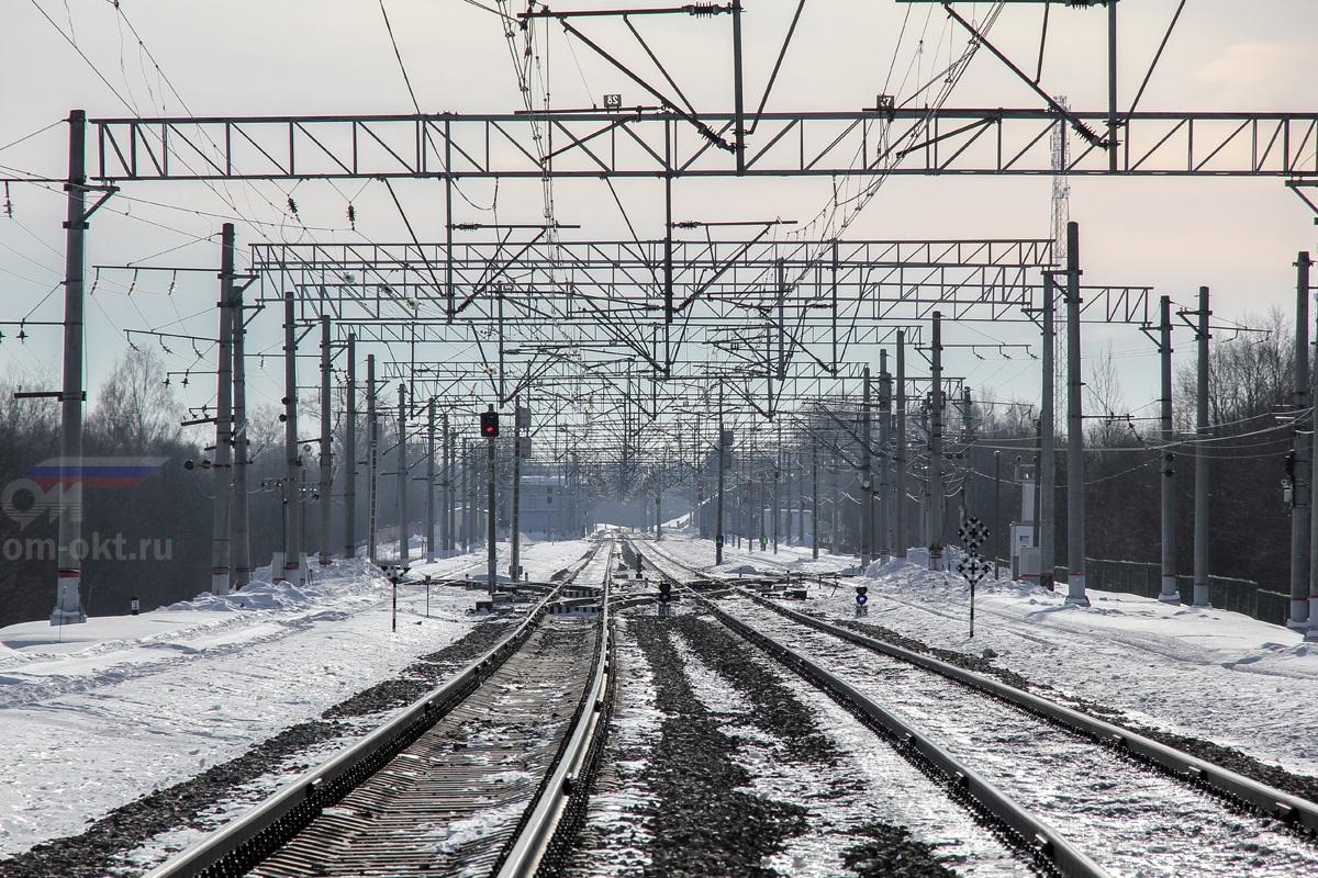 Вид на станцию Академическая со стороны платформы Соболево