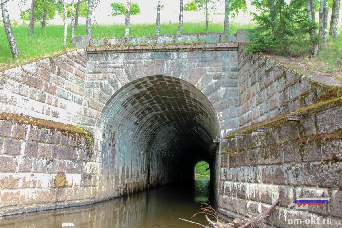 Водопропускное сооружение на реке Веребье через насыпь