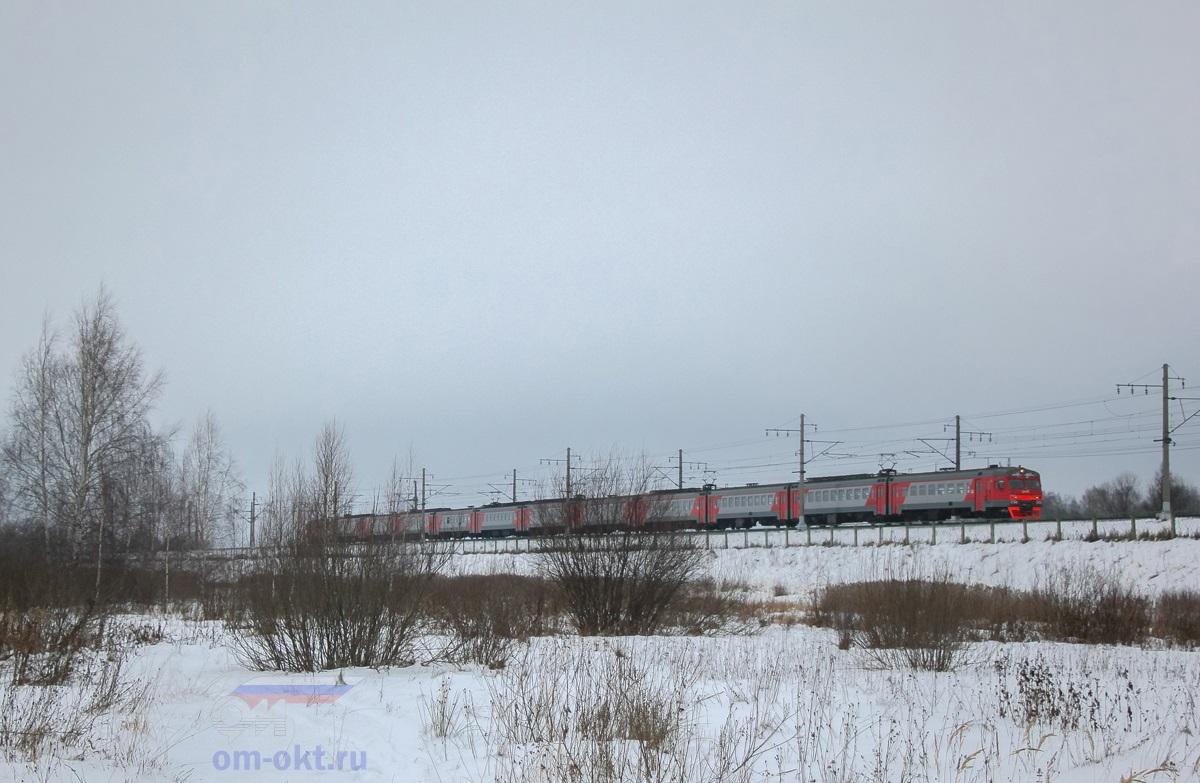 Электропоезд ЭТ2М-092 на перегоне Редкино - Завидово