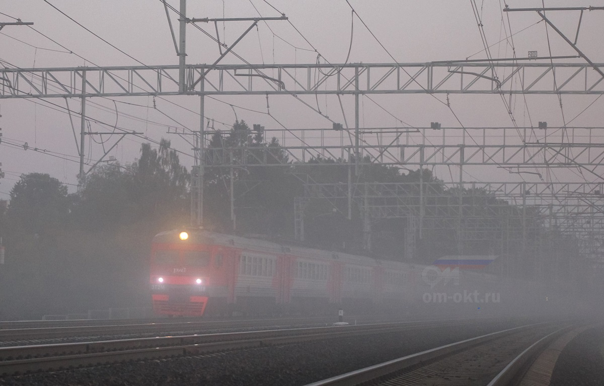 Электропоезд ЭТ2М-118 на перегоне Сходня - Химки