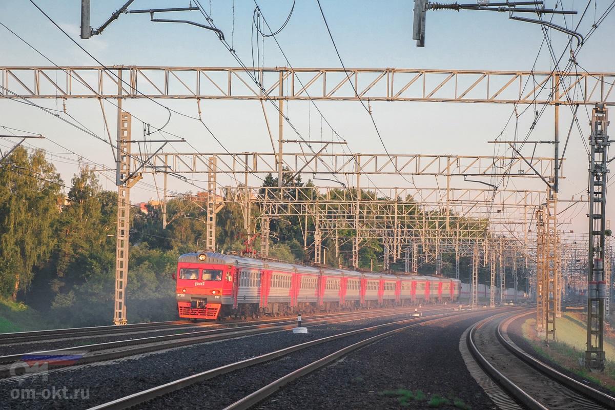 Электропоезд ЭТ2М-037 на перегоне Сходня - Химки