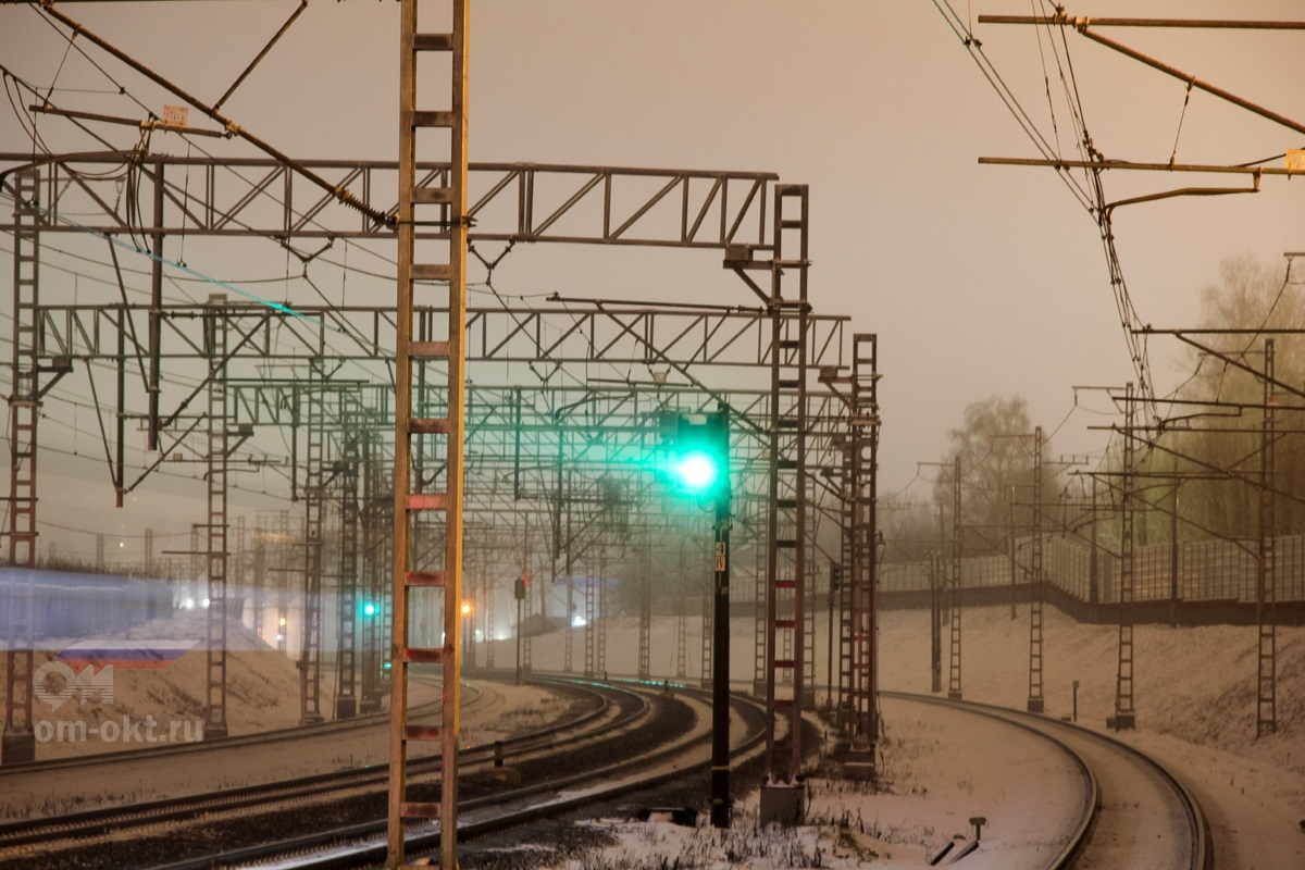 Вид от платформы Новоподрезково в сторону платформы Подрезково