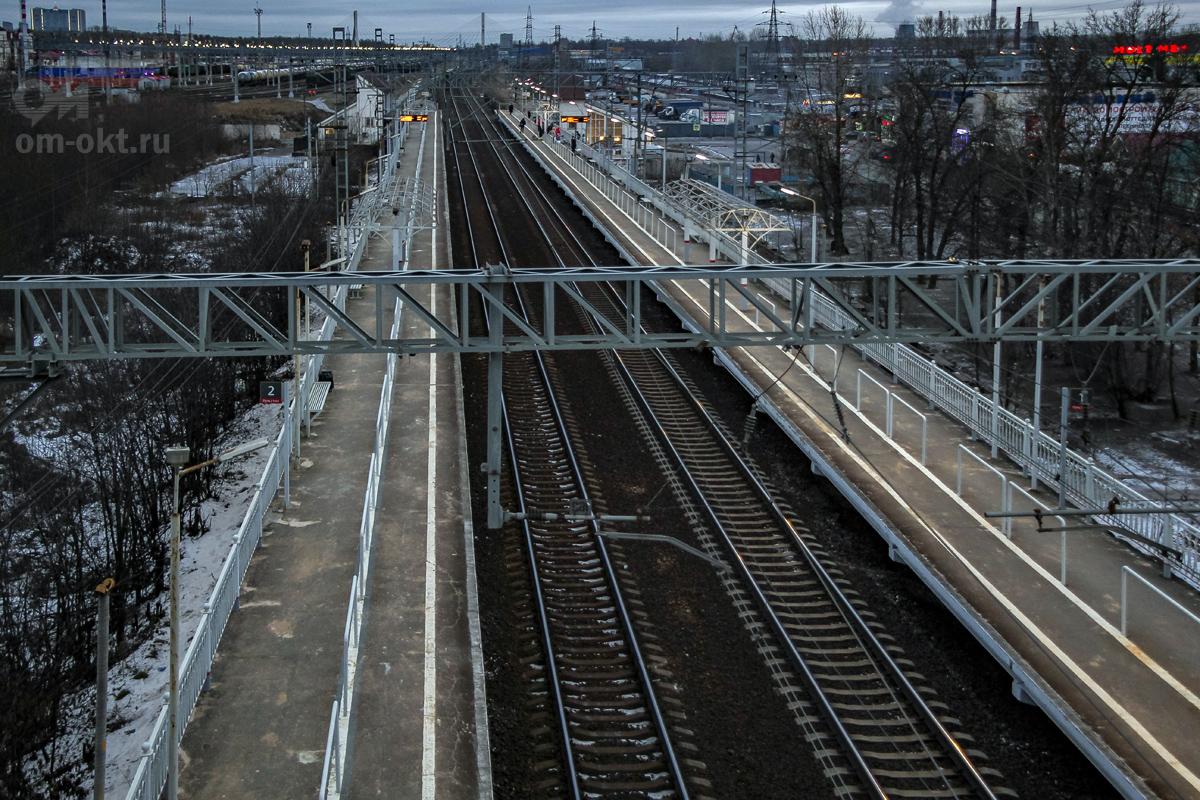 Вид на платформу Сортировочная в сторону Обухово