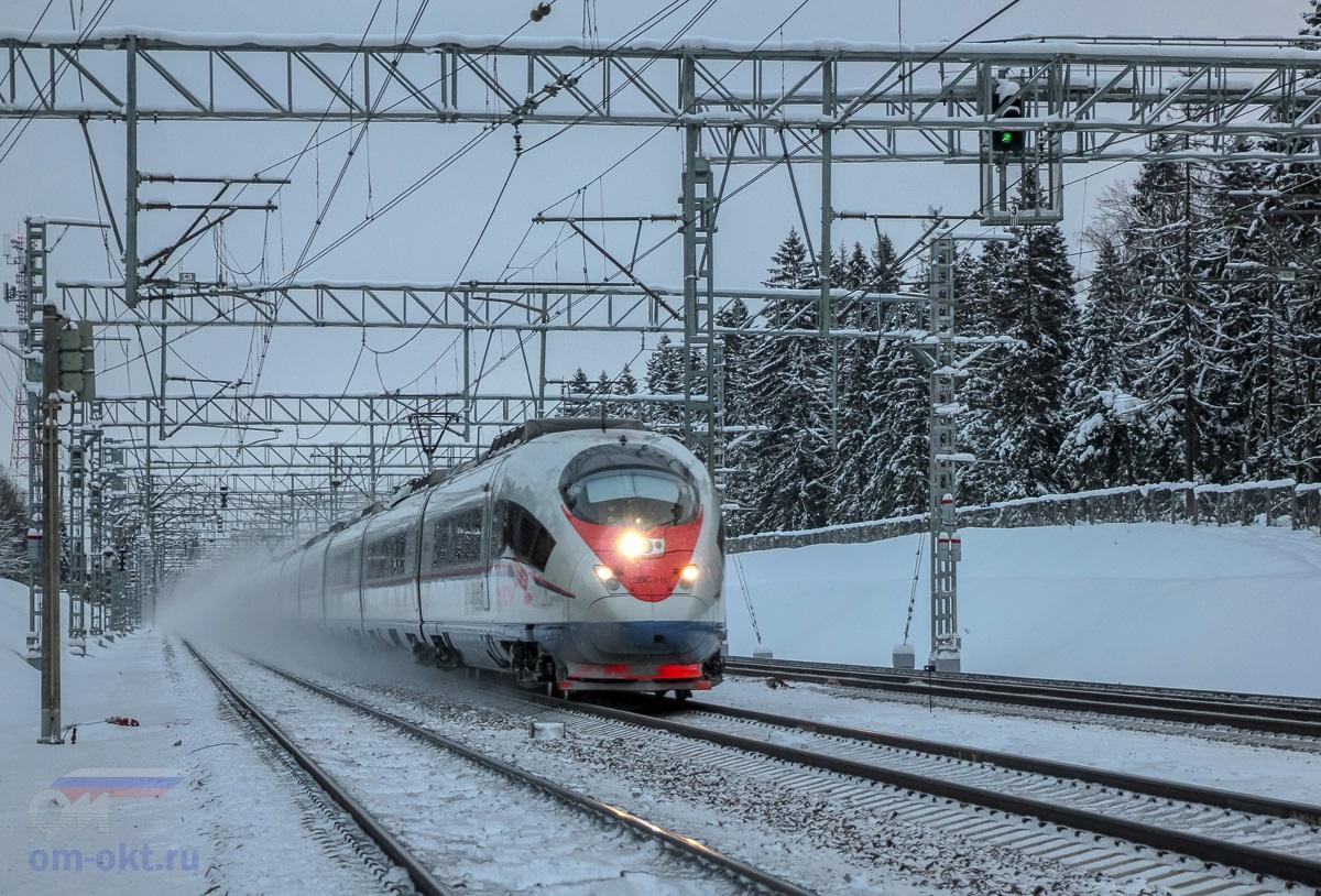 Электропоезд ЭВС1-11 «Сапсан» на перегоне  Сходня - Крюково