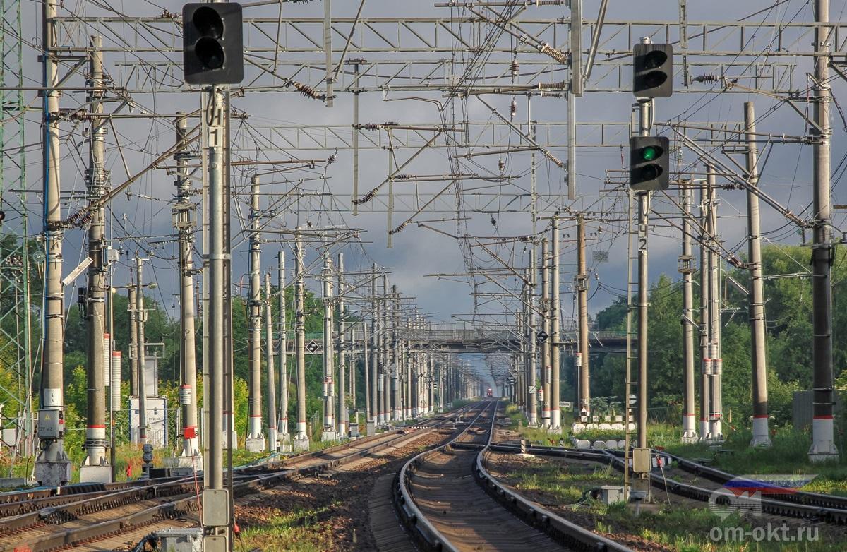 Вид от станции Спирово в стороны платформы Любинка
