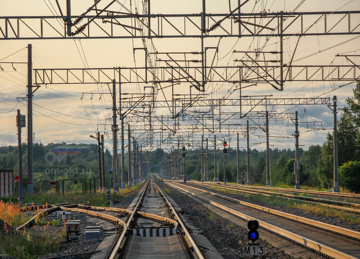 Вид со станции Березайка в сторону Алёшинки
