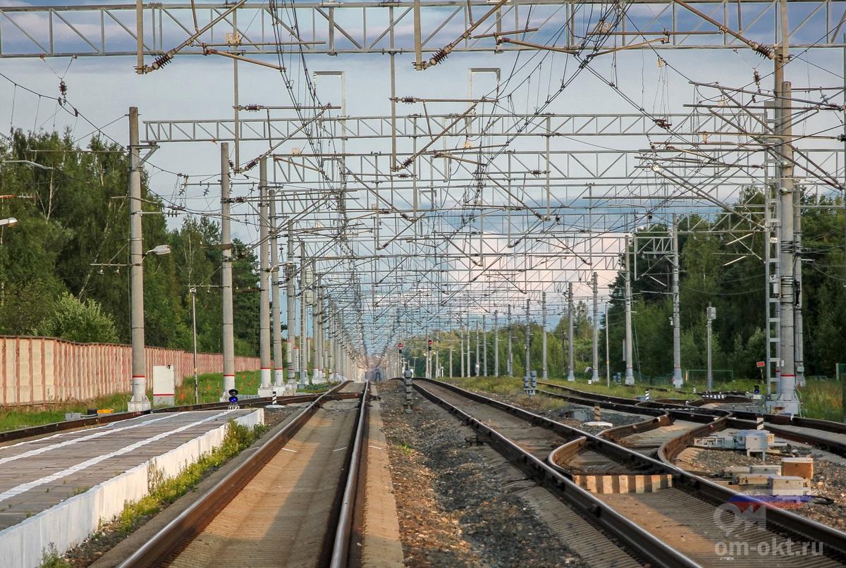 Вид от станции Березайка в сторону Бологое
